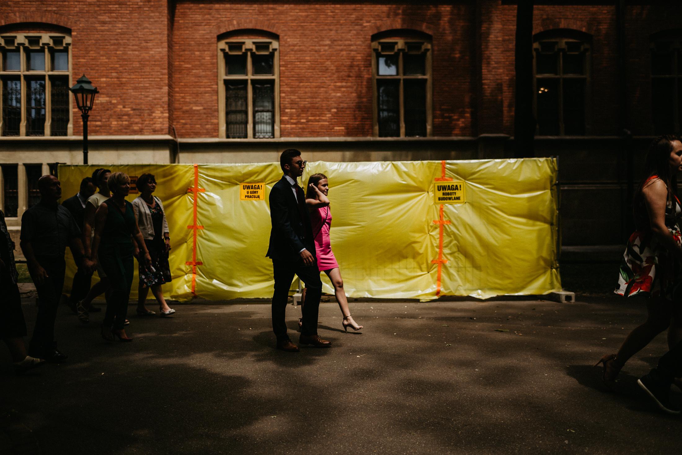 kameralny slub w krakowie fotograf slubny 00070