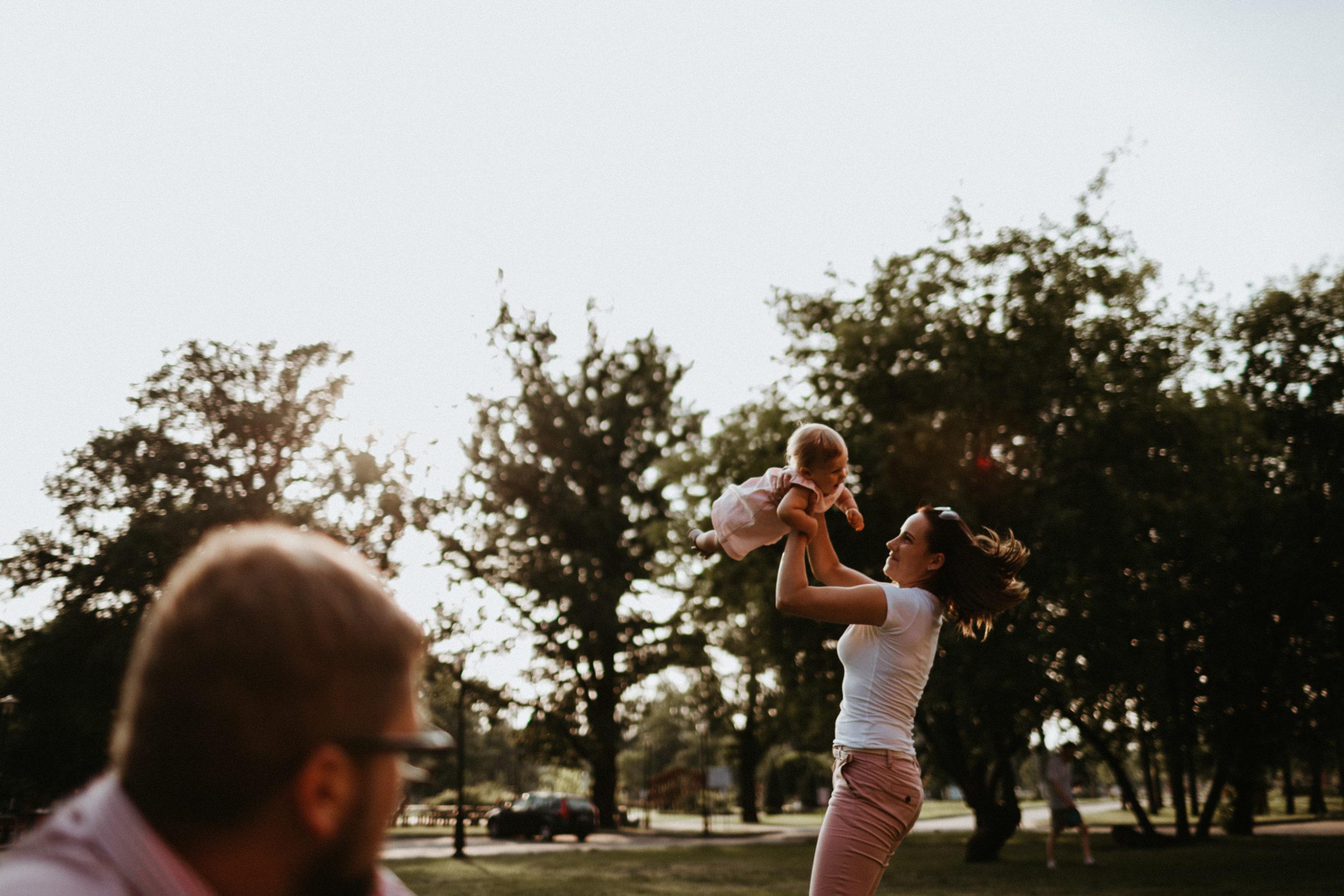 sesja rodzinna w miescie fotografia slask 00025