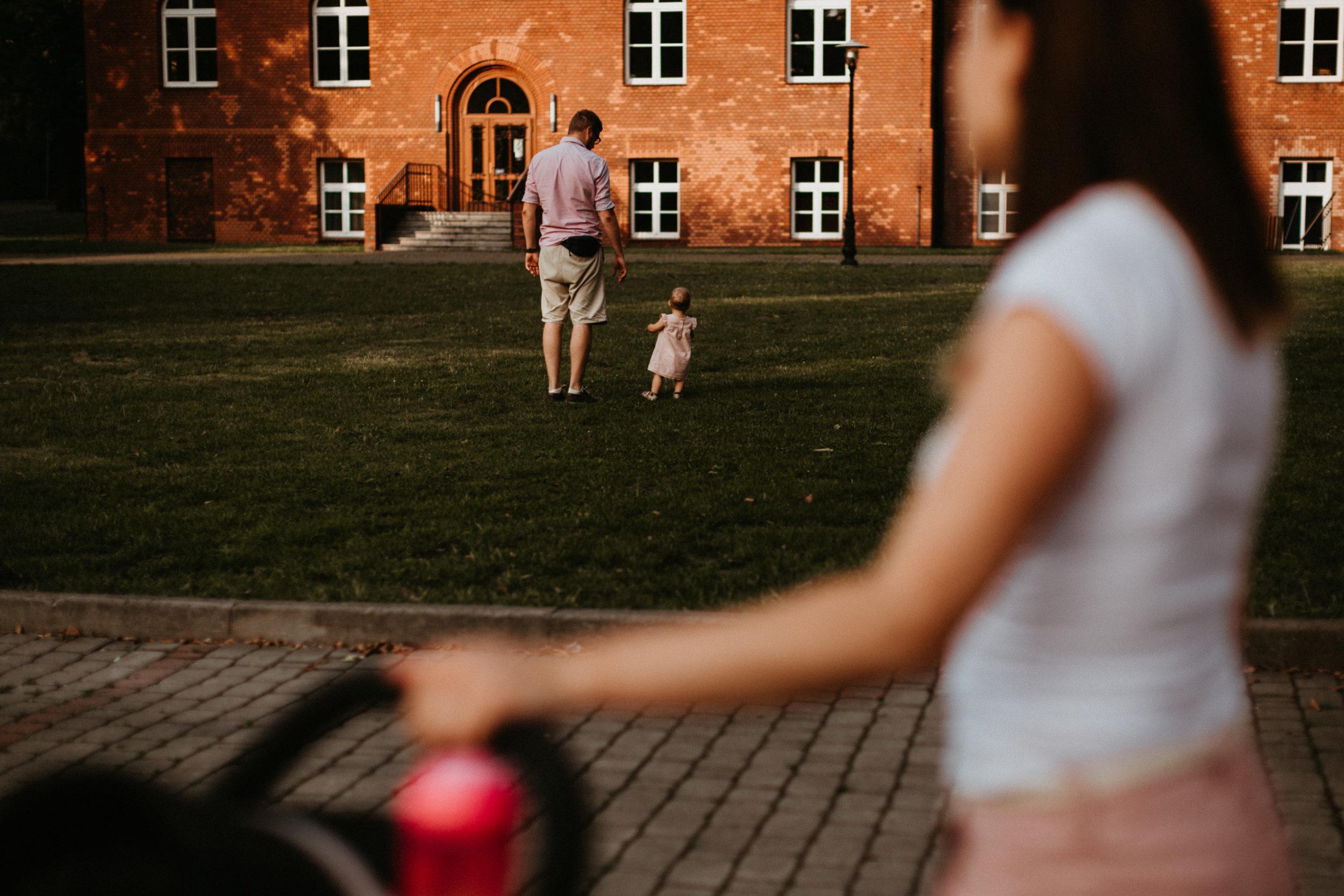 sesja rodzinna w miescie fotografia slask 00027