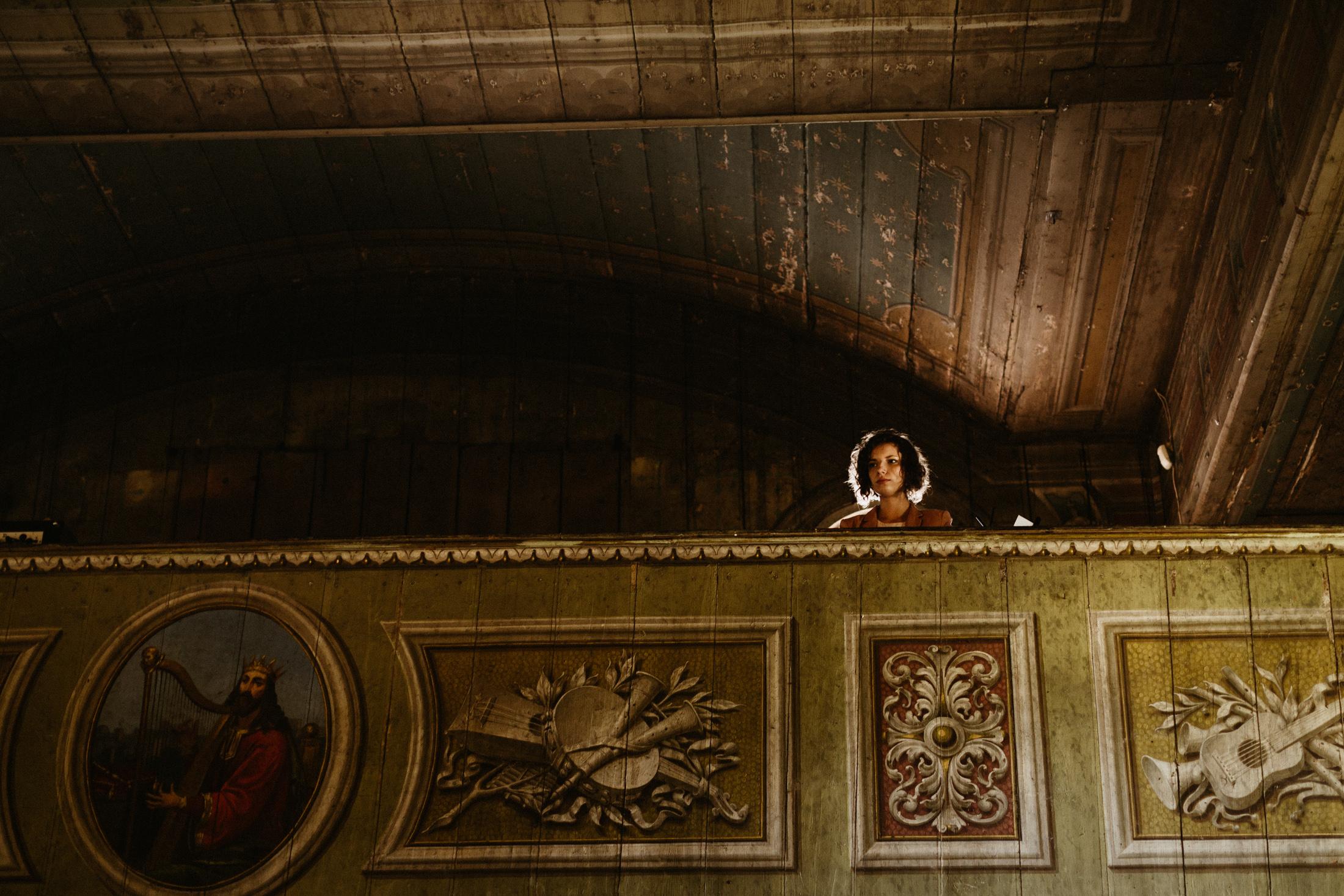 wesele w stodole folwark wiazy krakow slub 00027