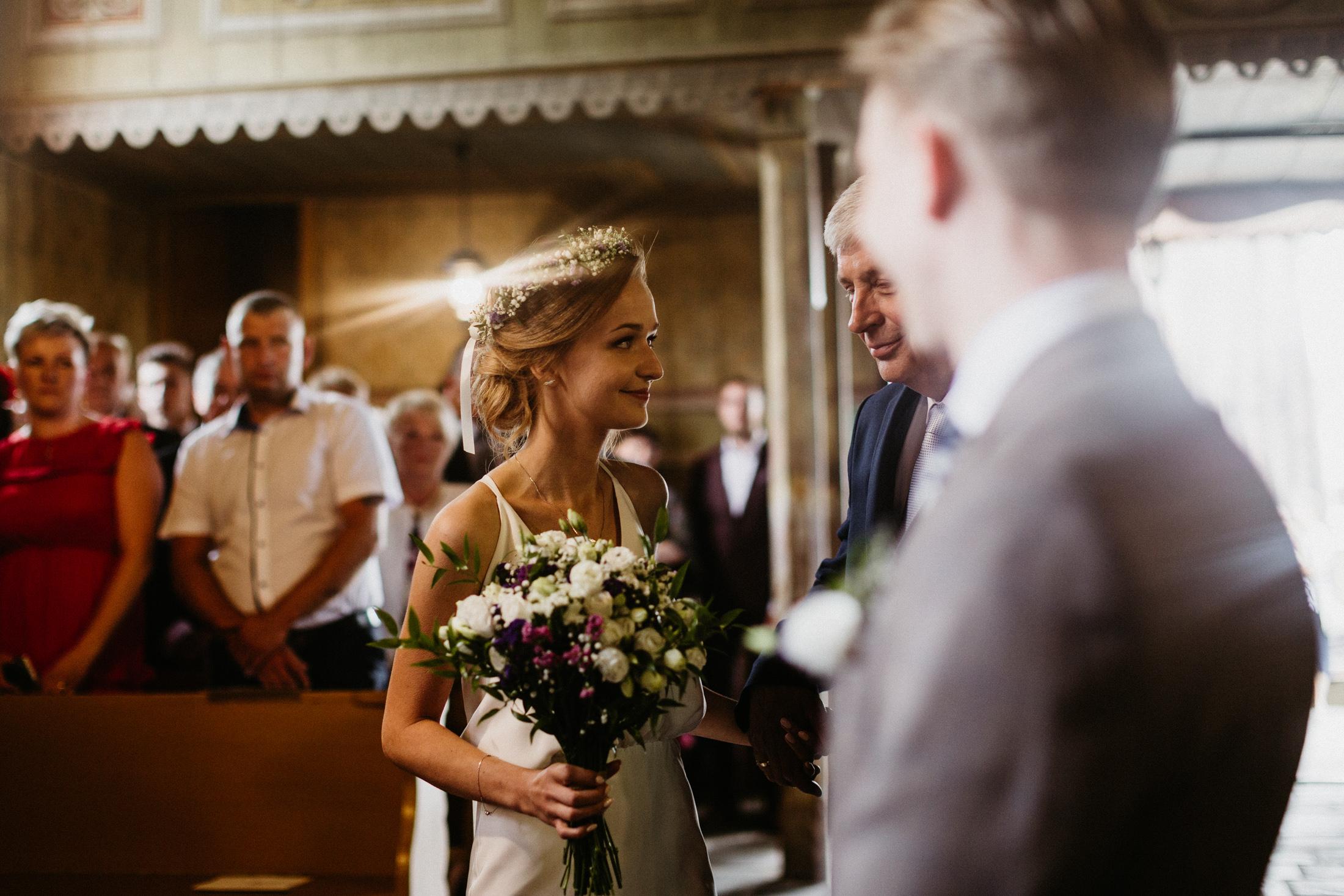 wesele w stodole folwark wiazy krakow slub 00029