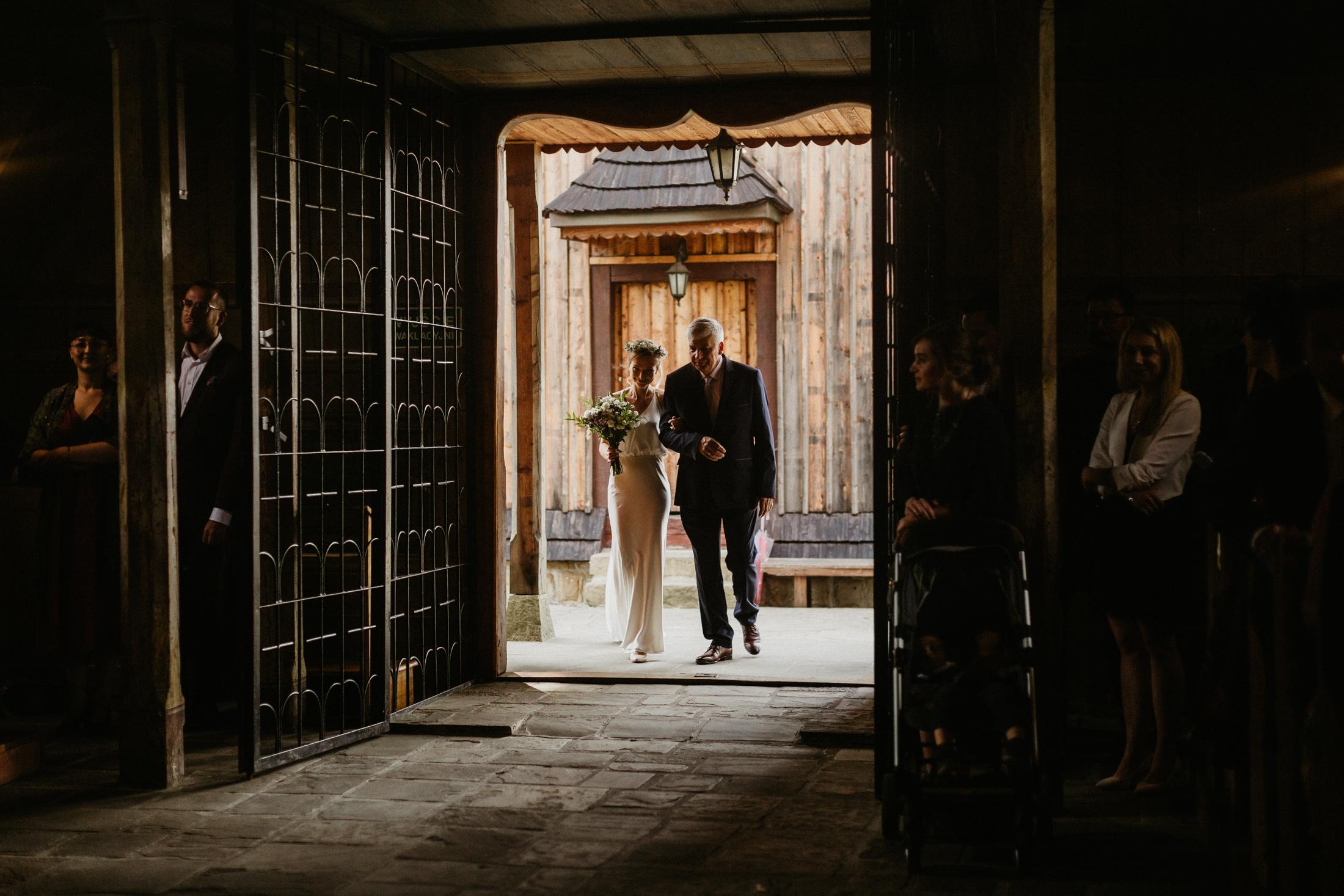 wesele w stodole folwark wiazy krakow slub 00030