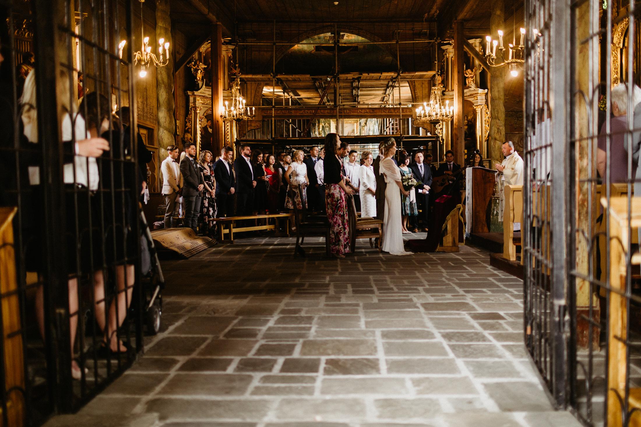 wesele w stodole folwark wiazy krakow slub 00031