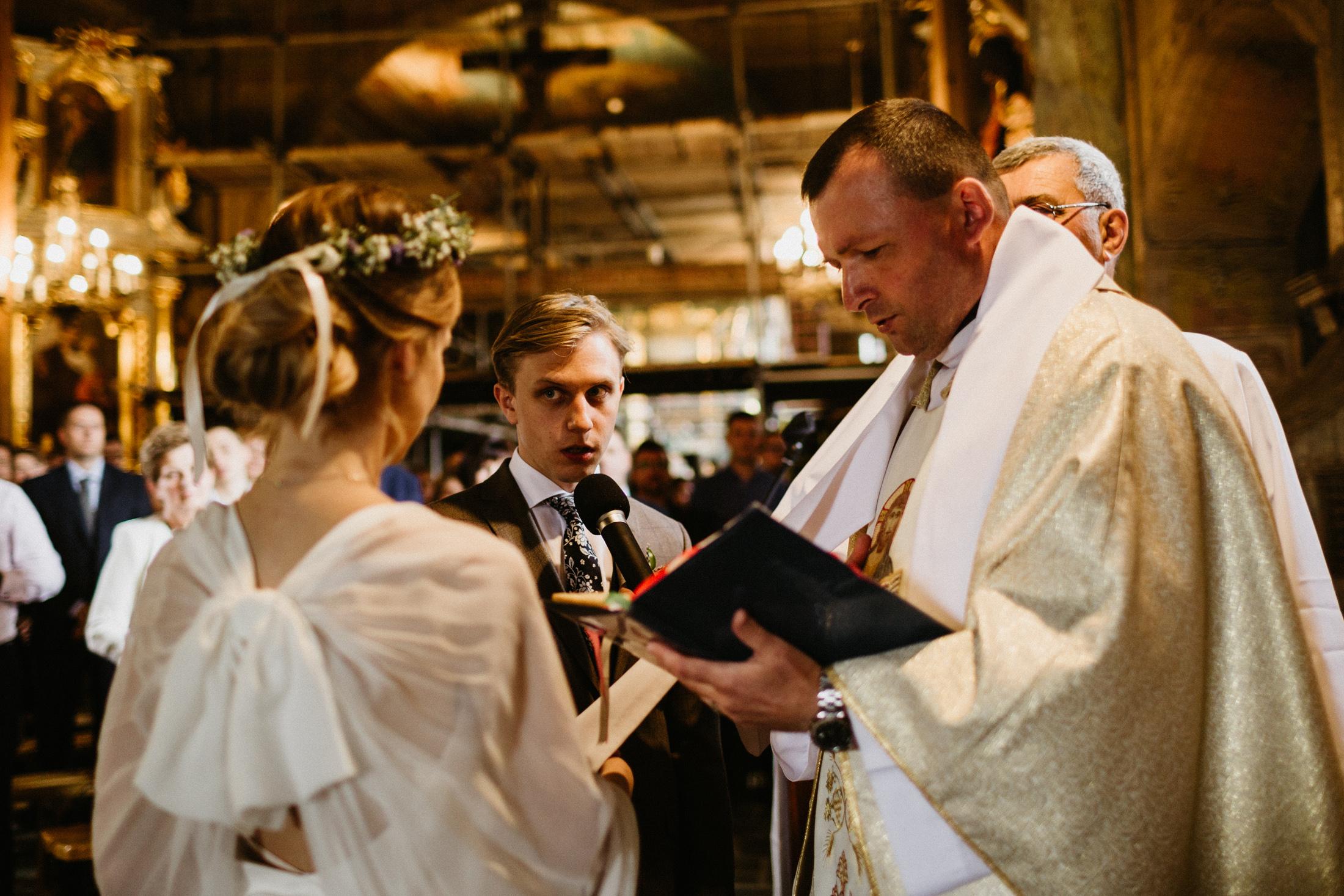 wesele w stodole folwark wiazy krakow slub 00040
