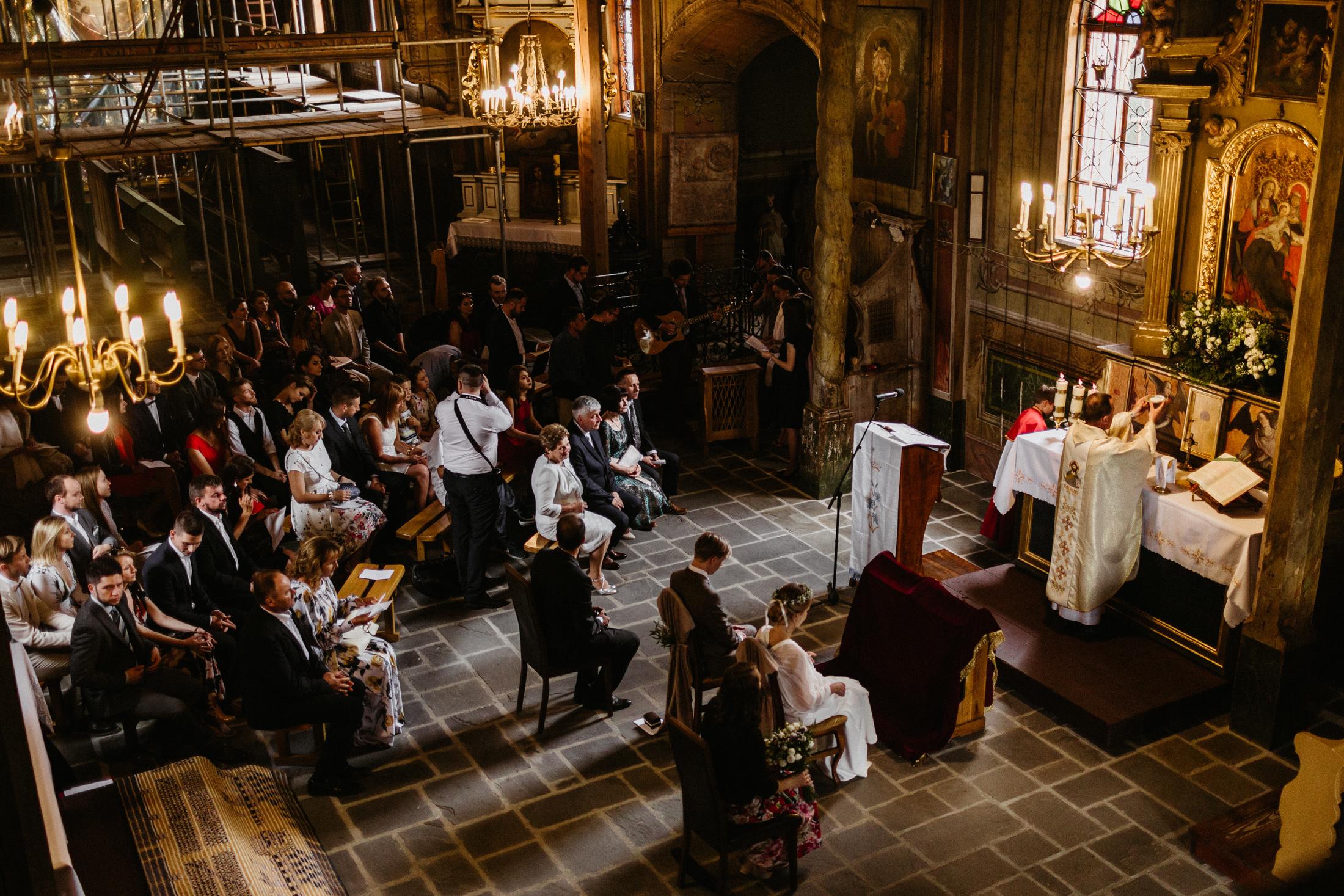 wesele w stodole folwark wiazy krakow slub 00047