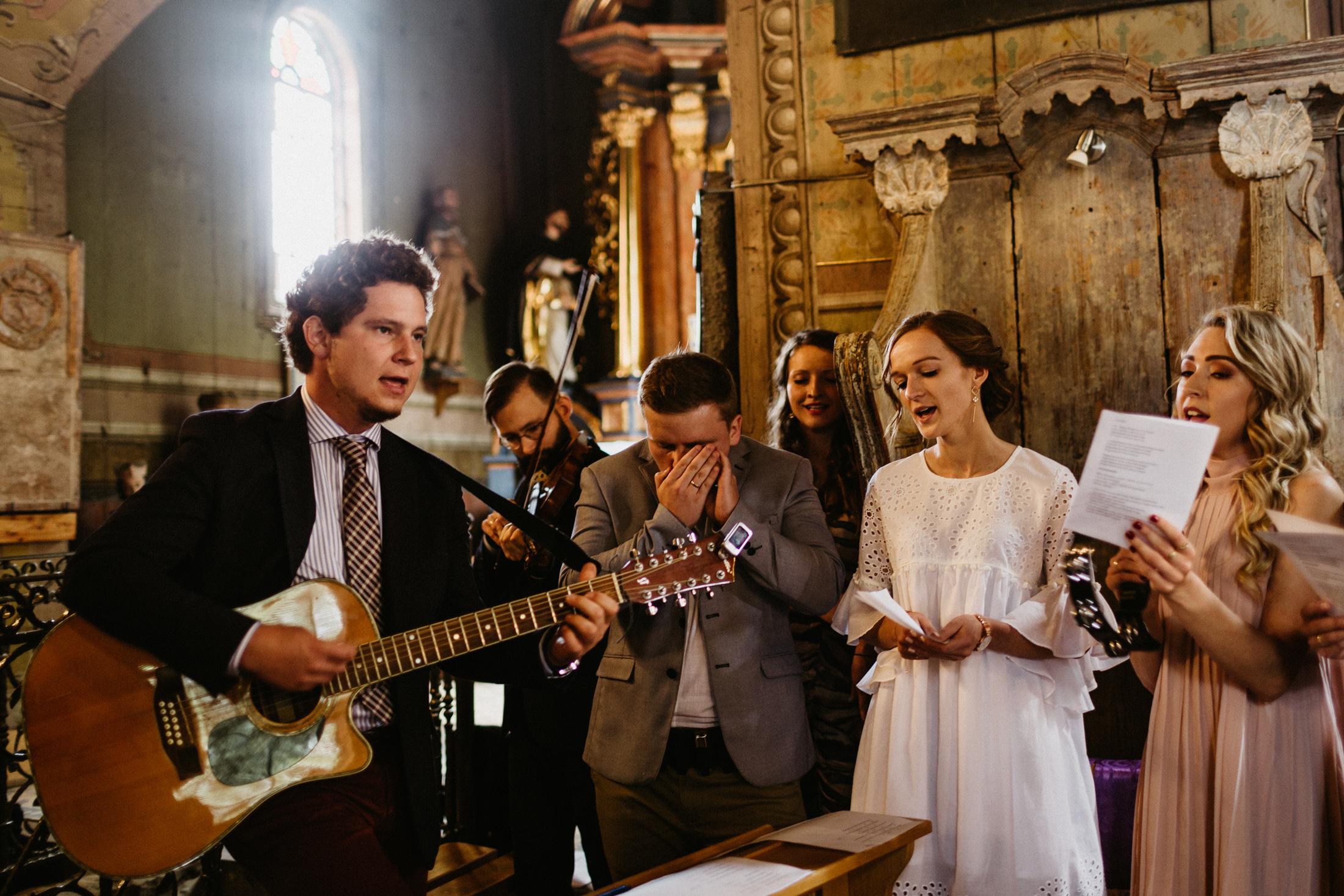wesele w stodole folwark wiazy krakow slub 00052