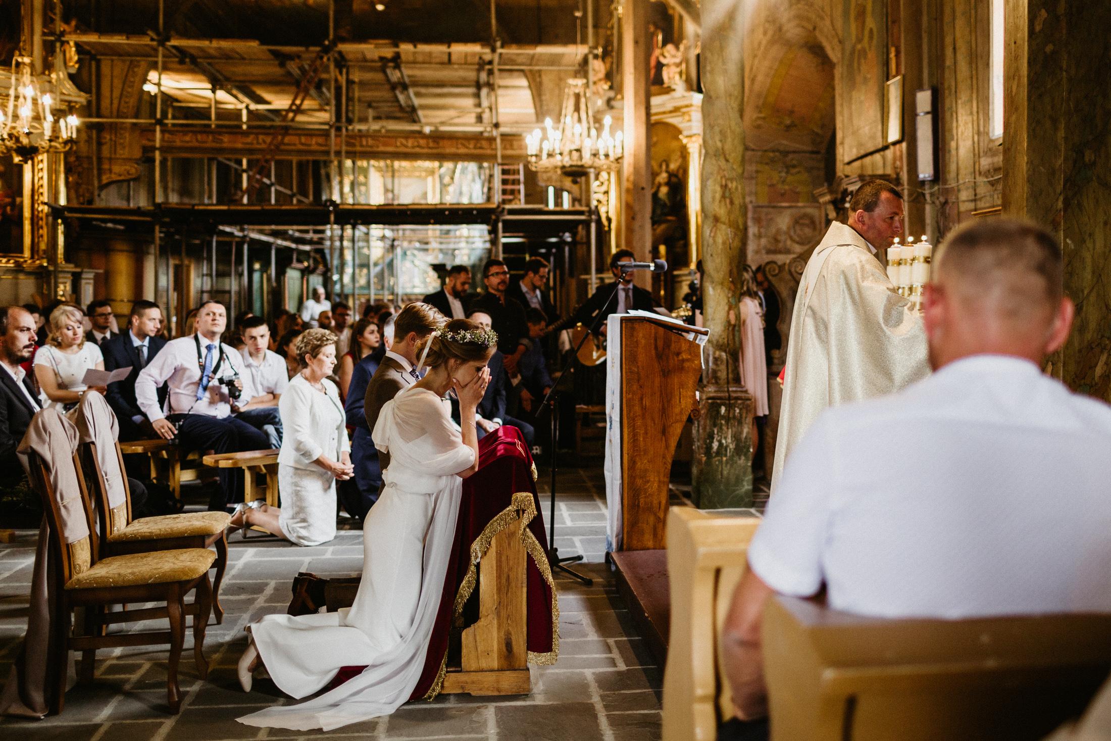 wesele w stodole folwark wiazy krakow slub 00053
