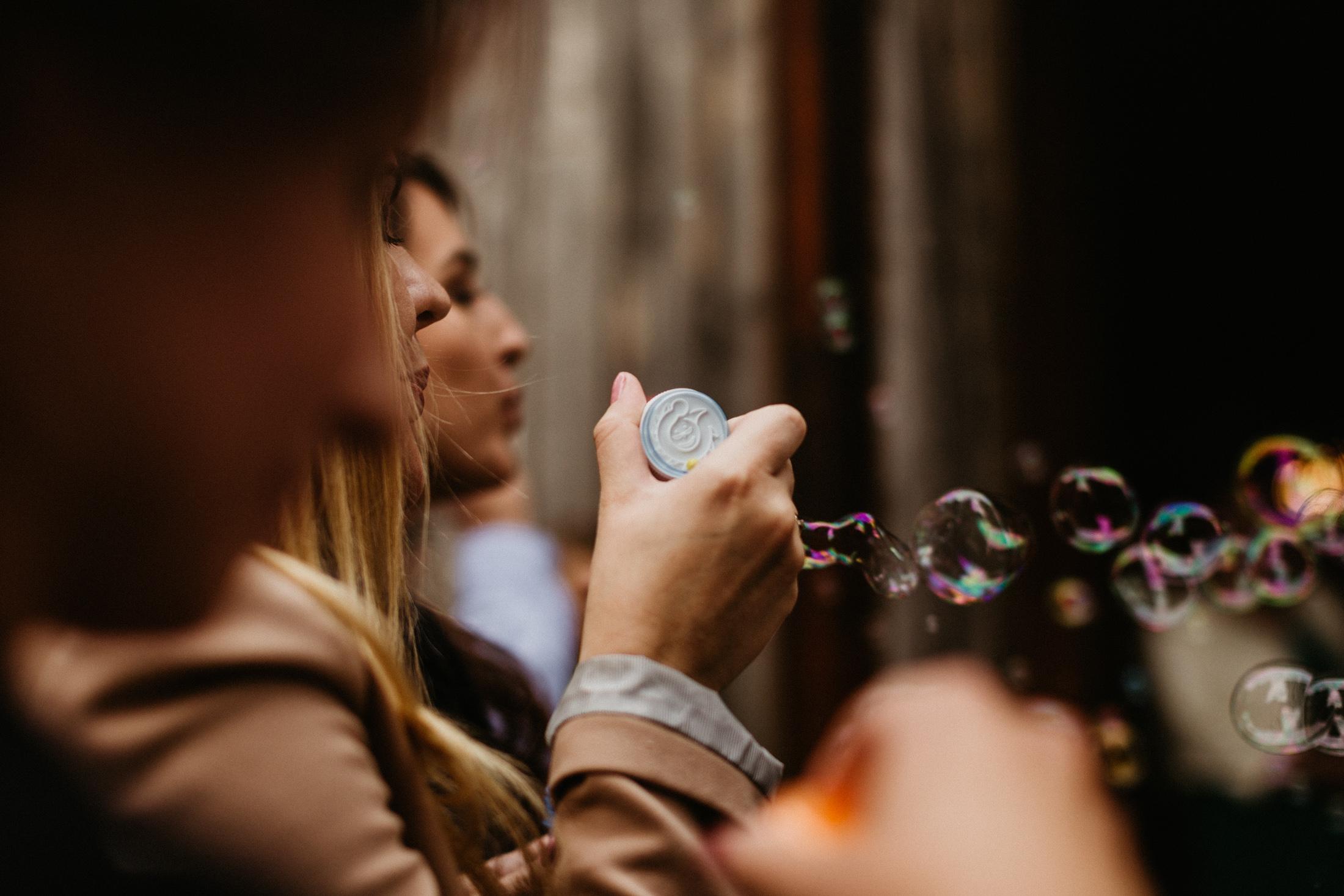 wesele w stodole folwark wiazy krakow slub 00056