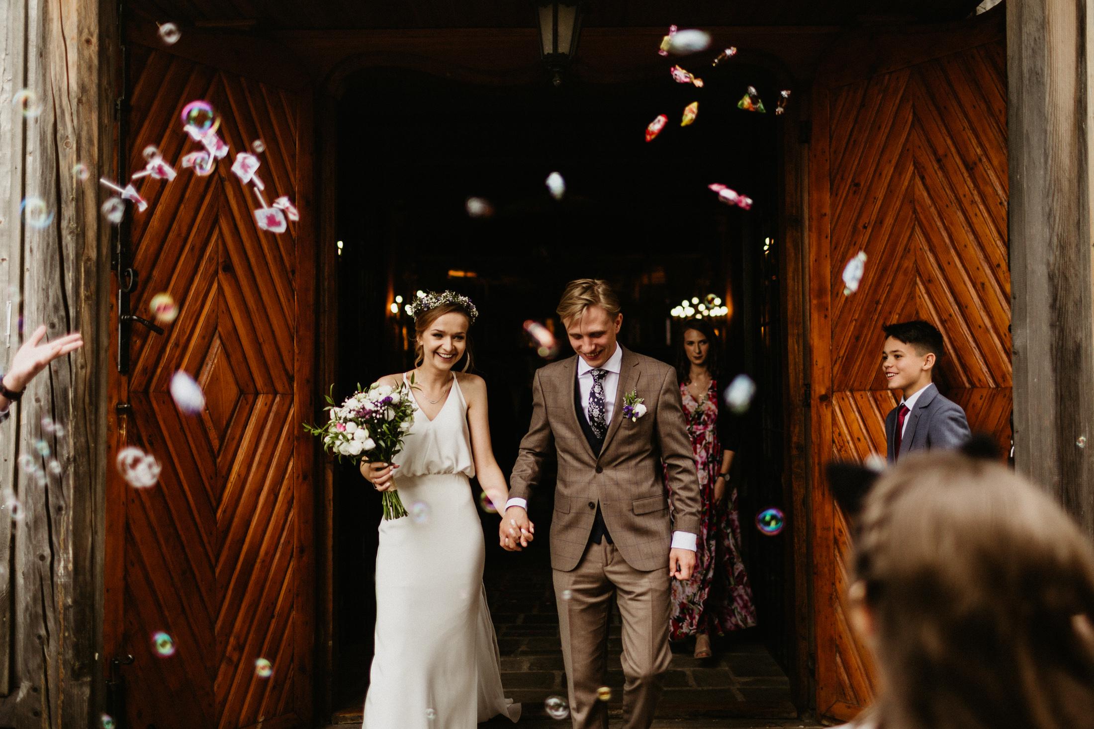 wesele w stodole folwark wiazy krakow slub 00057