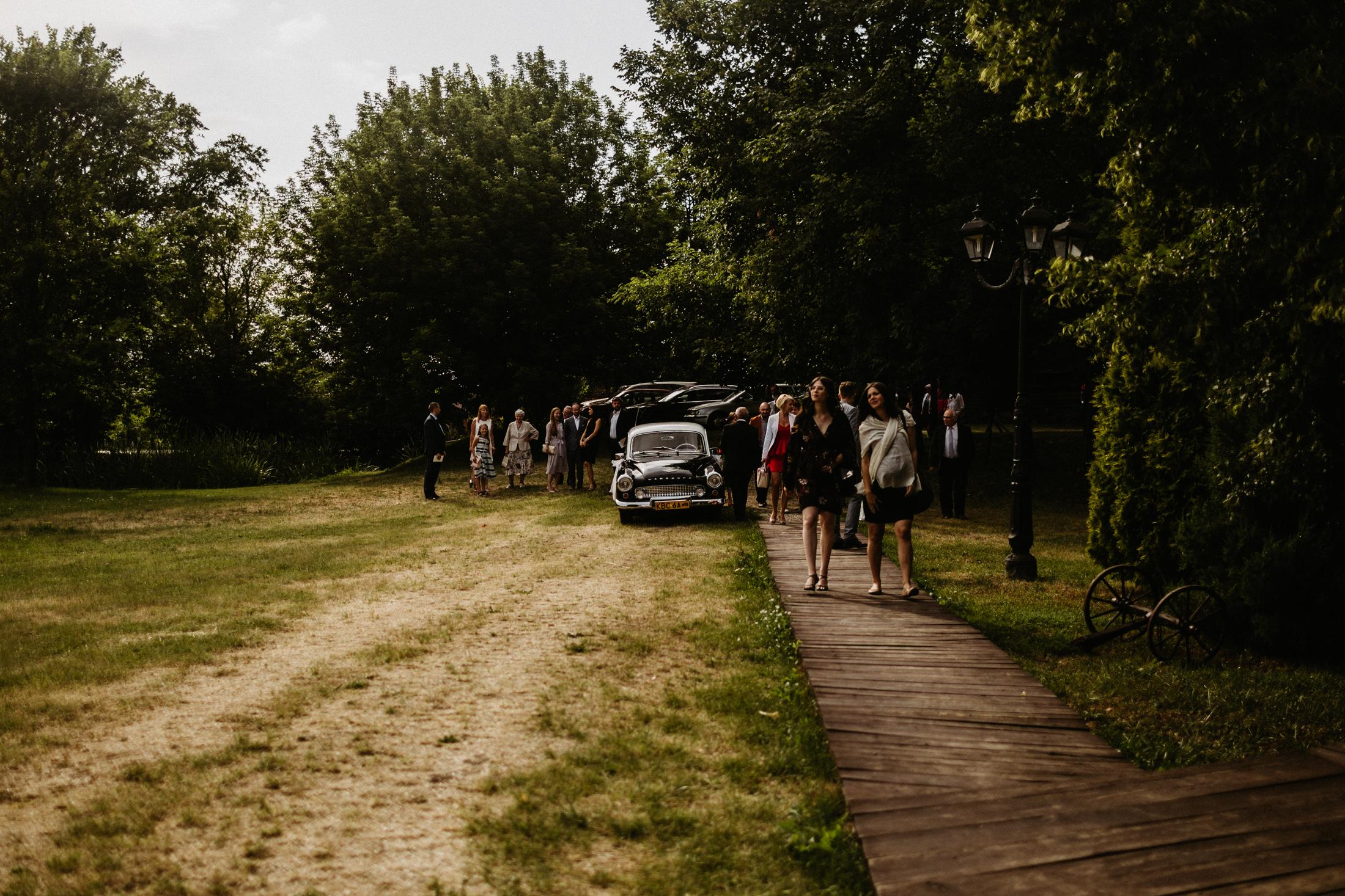 wesele w stodole folwark wiazy krakow slub 00061