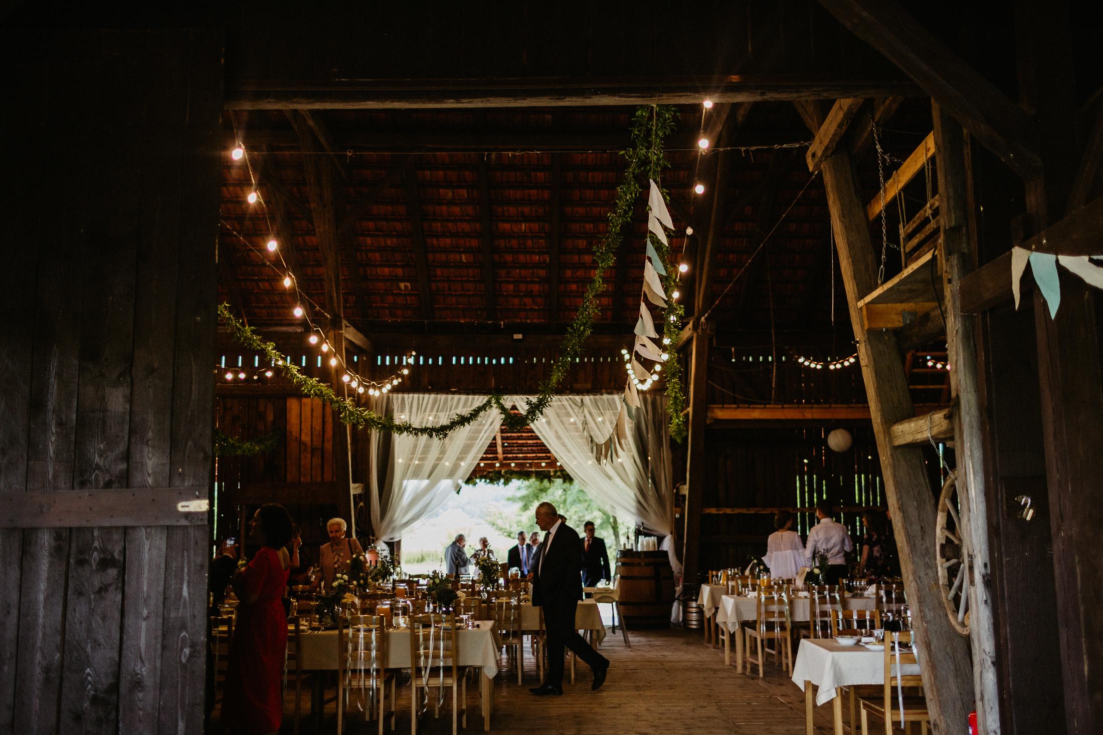 wesele w stodole folwark wiazy krakow slub 00068