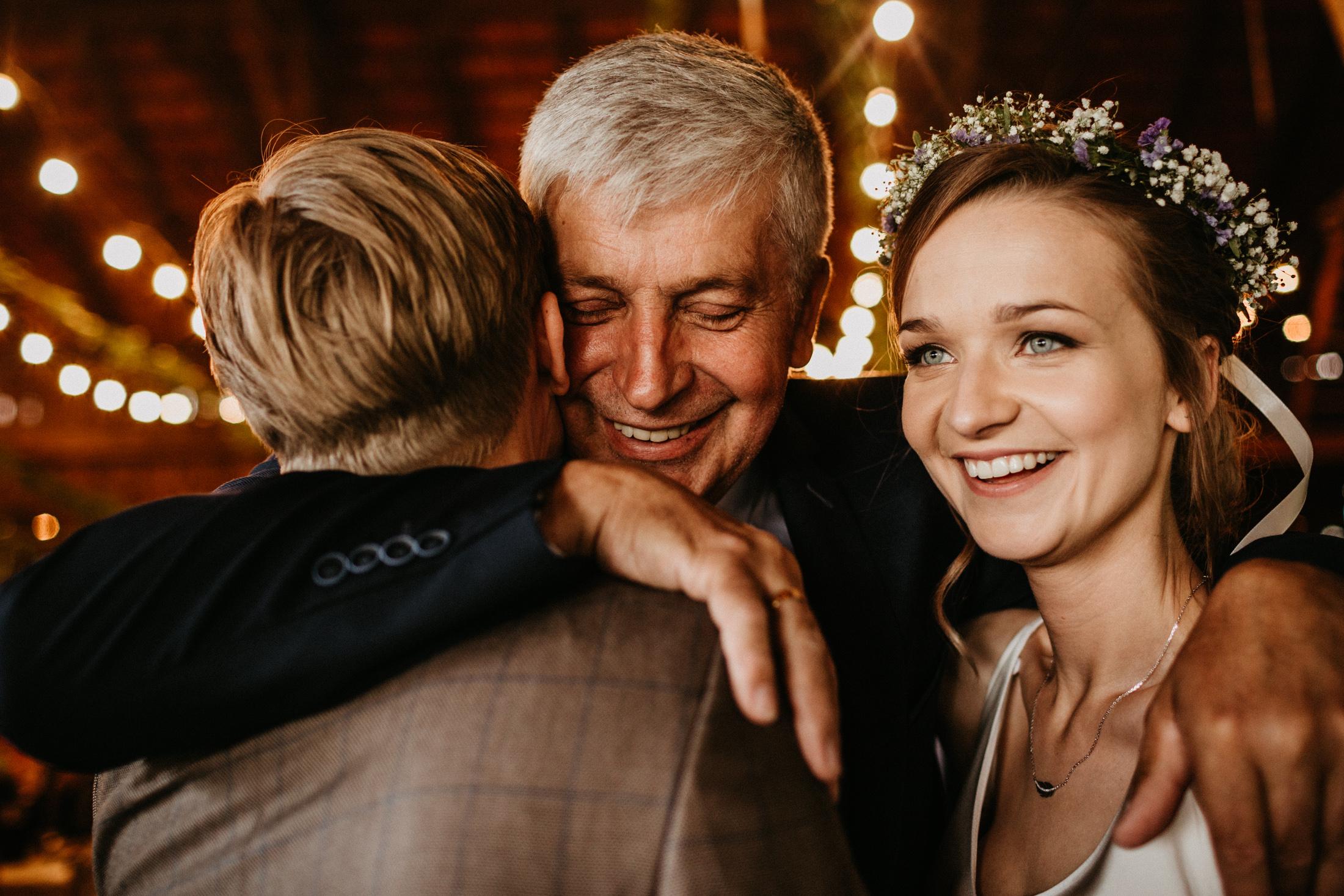 wesele w stodole folwark wiazy krakow slub 00075