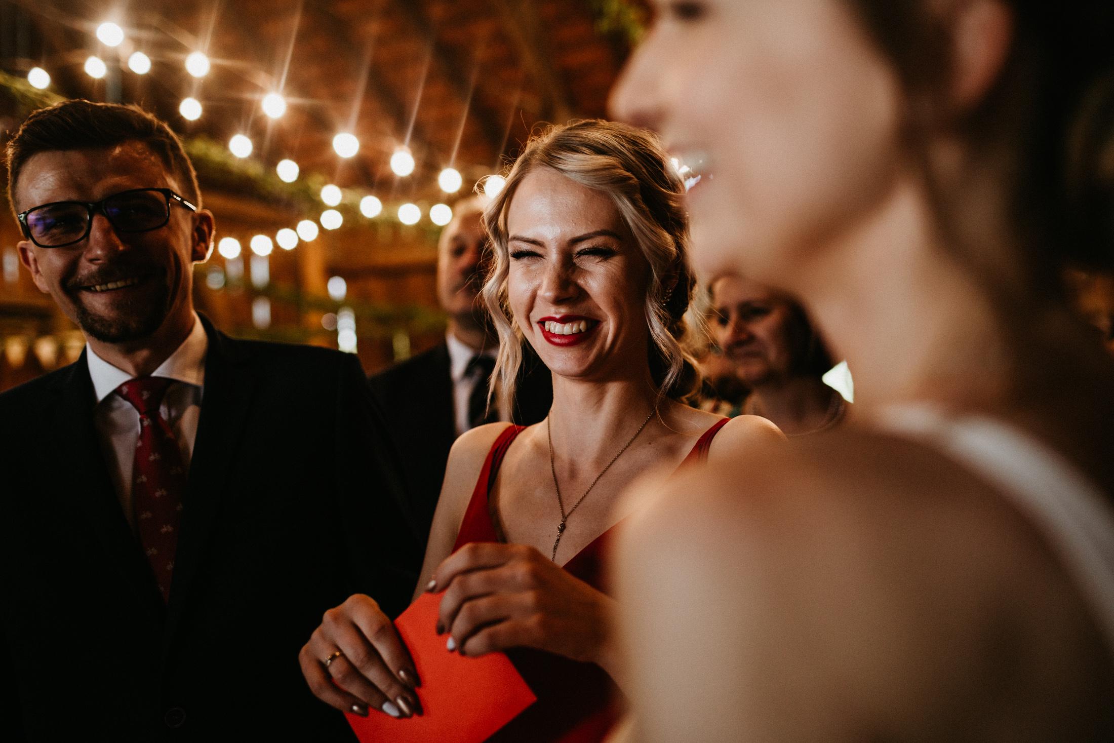 wesele w stodole folwark wiazy krakow slub 00078