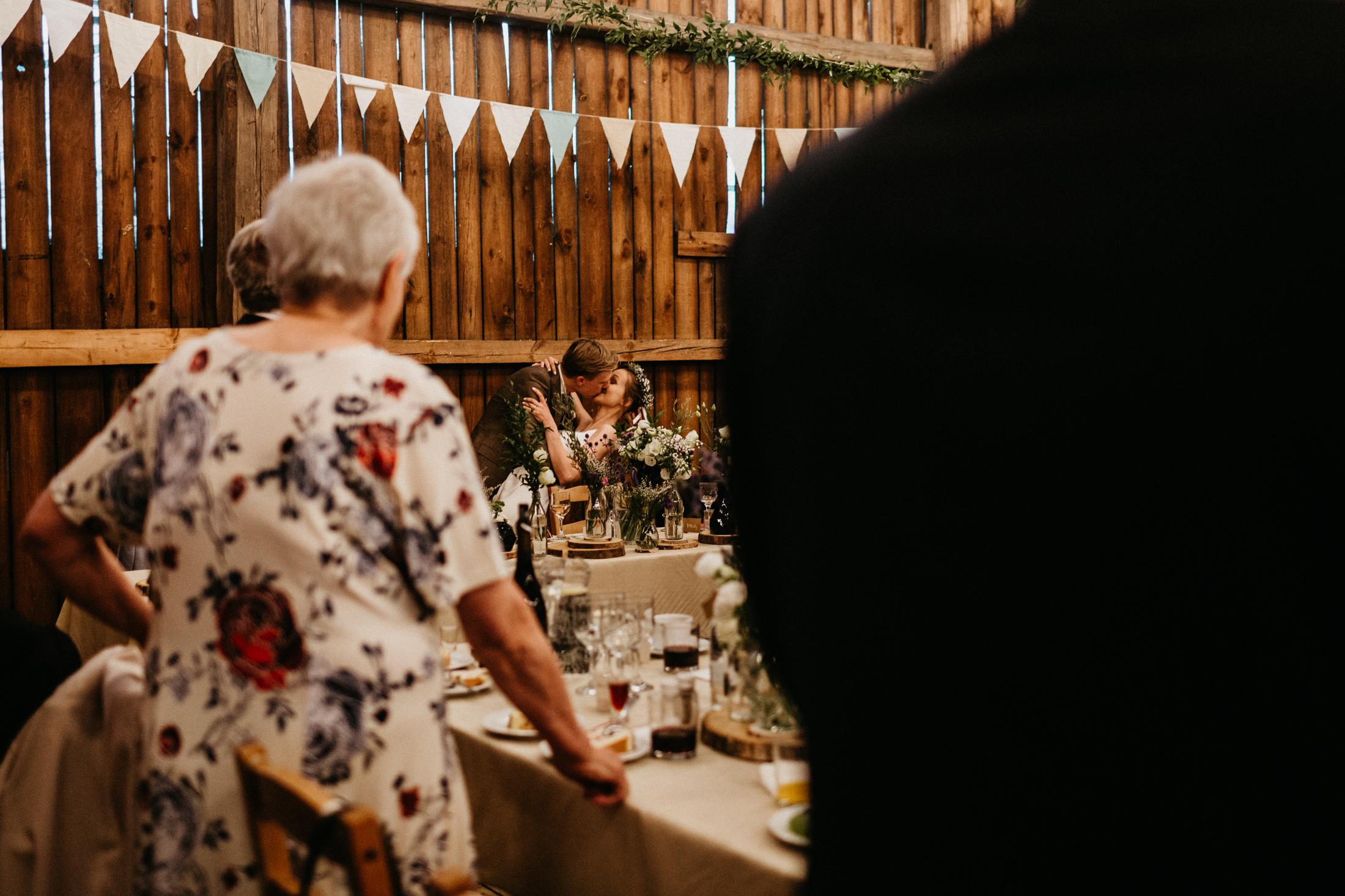 wesele w stodole folwark wiazy krakow slub 00085