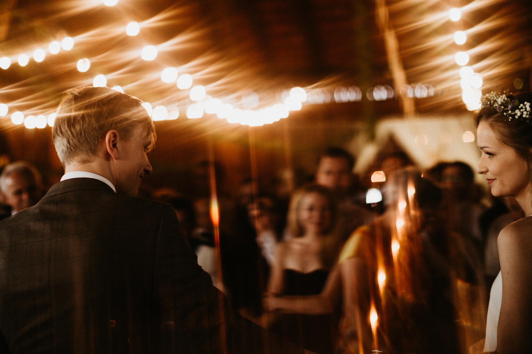 wesele w stodole folwark wiazy krakow slub 00088