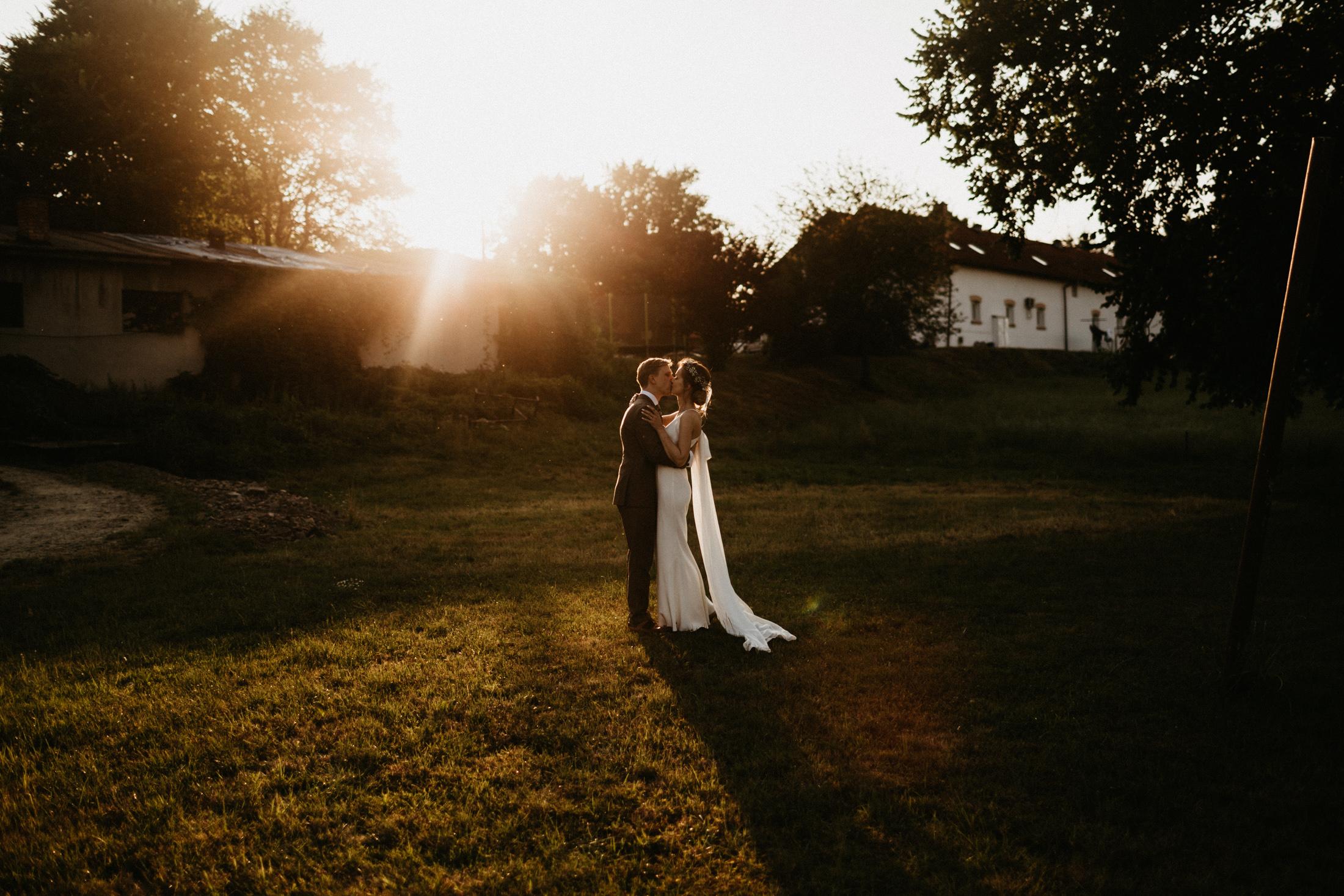 wesele w stodole folwark wiazy krakow slub 00100