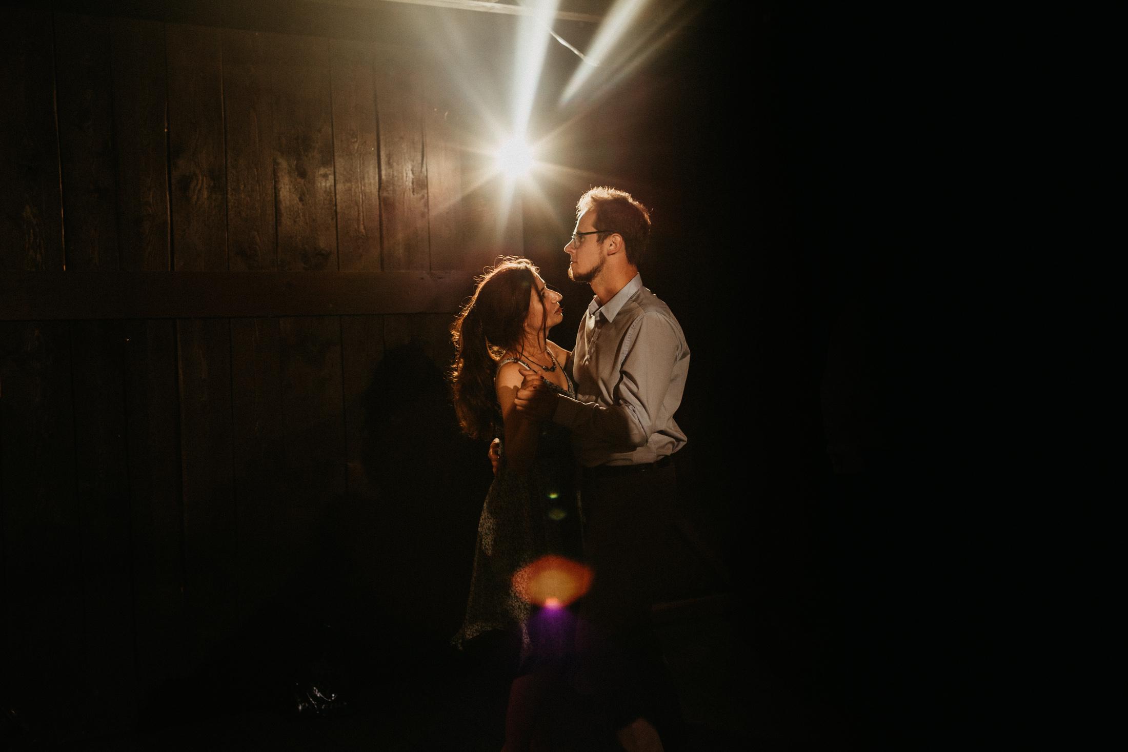 wesele w stodole folwark wiazy krakow slub 00134