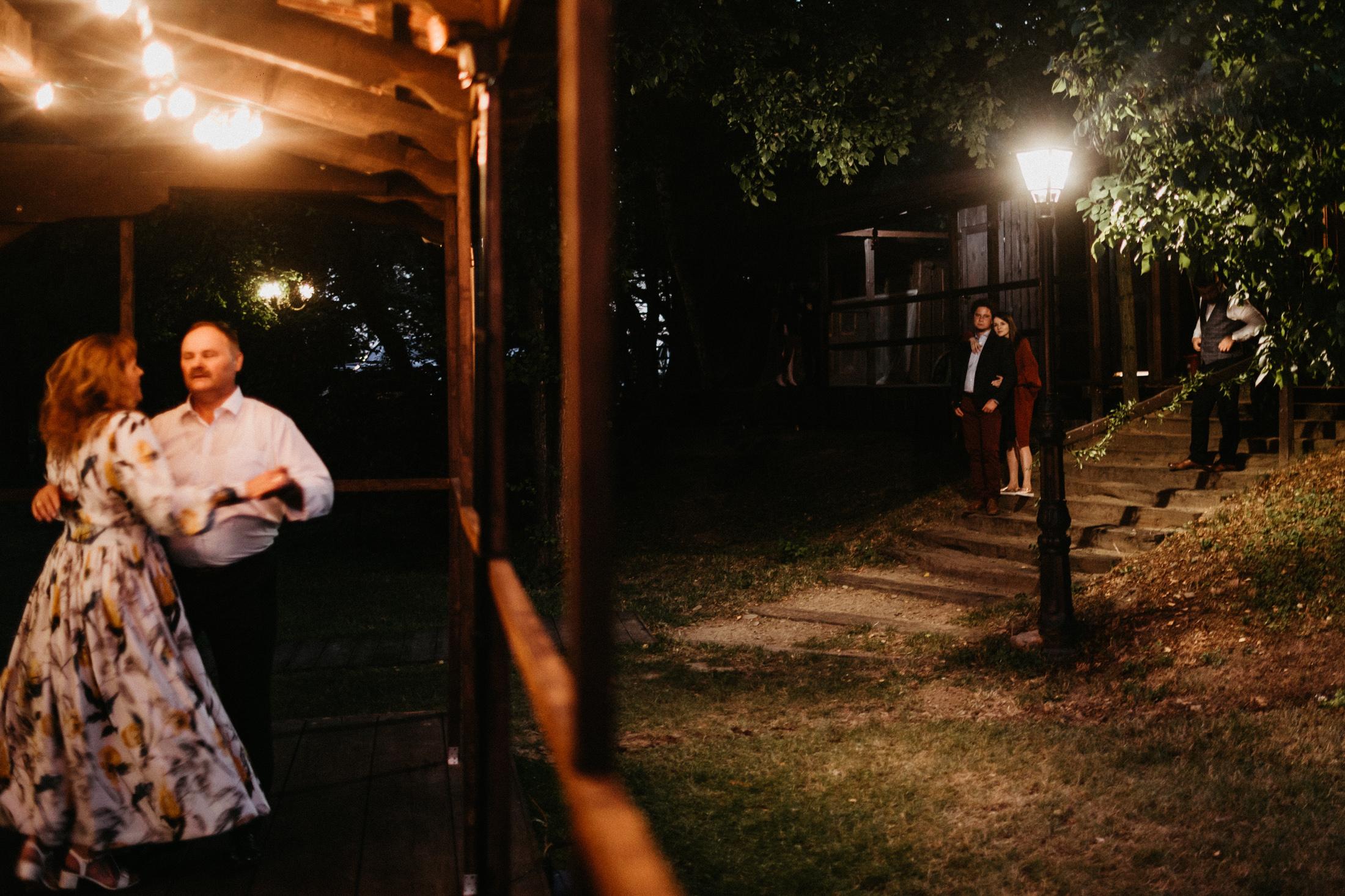 wesele w stodole folwark wiazy krakow slub 00135