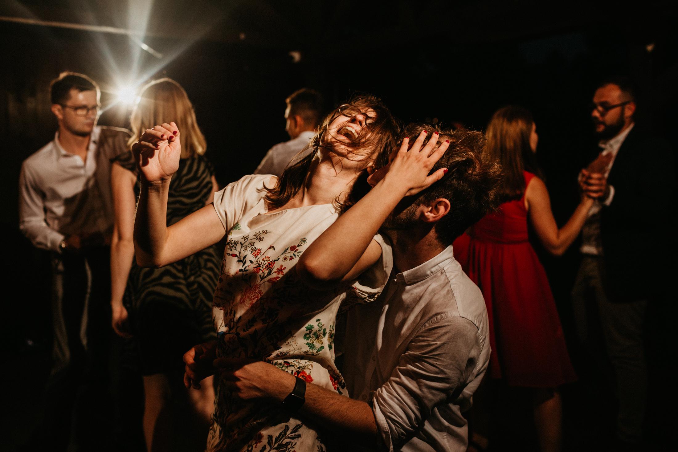 wesele w stodole folwark wiazy krakow slub 00138