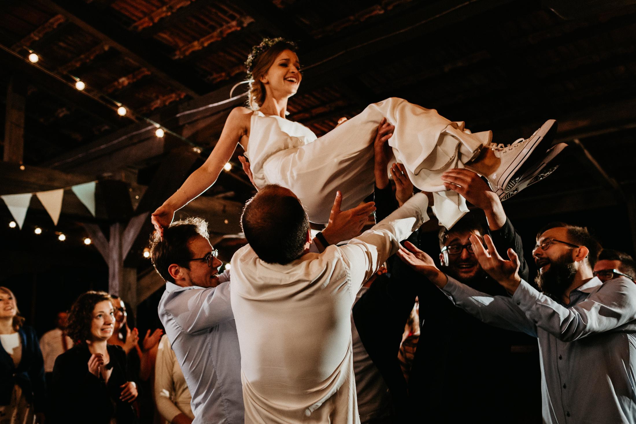 wesele w stodole folwark wiazy krakow slub 00156