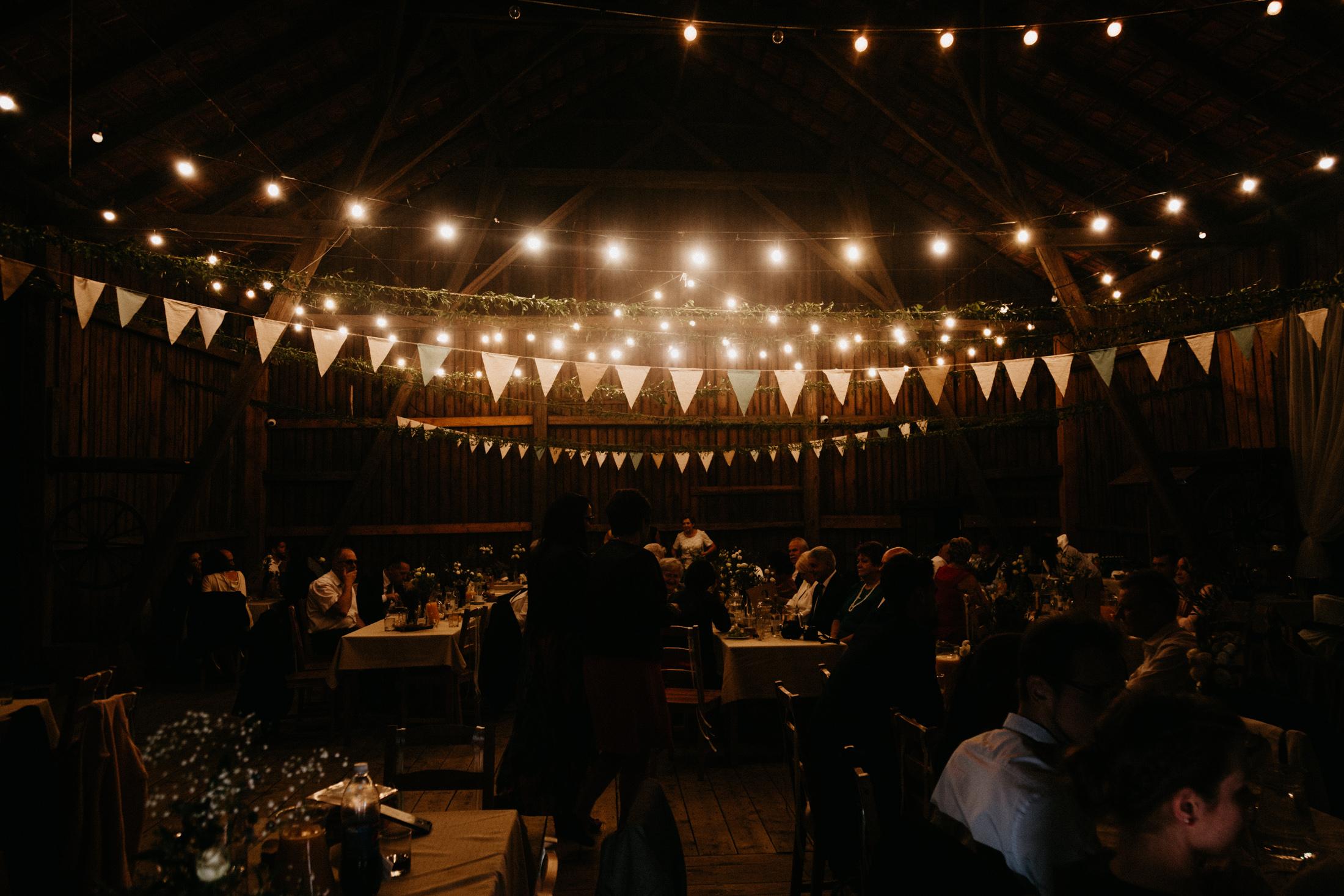 wesele w stodole folwark wiazy krakow slub 00157