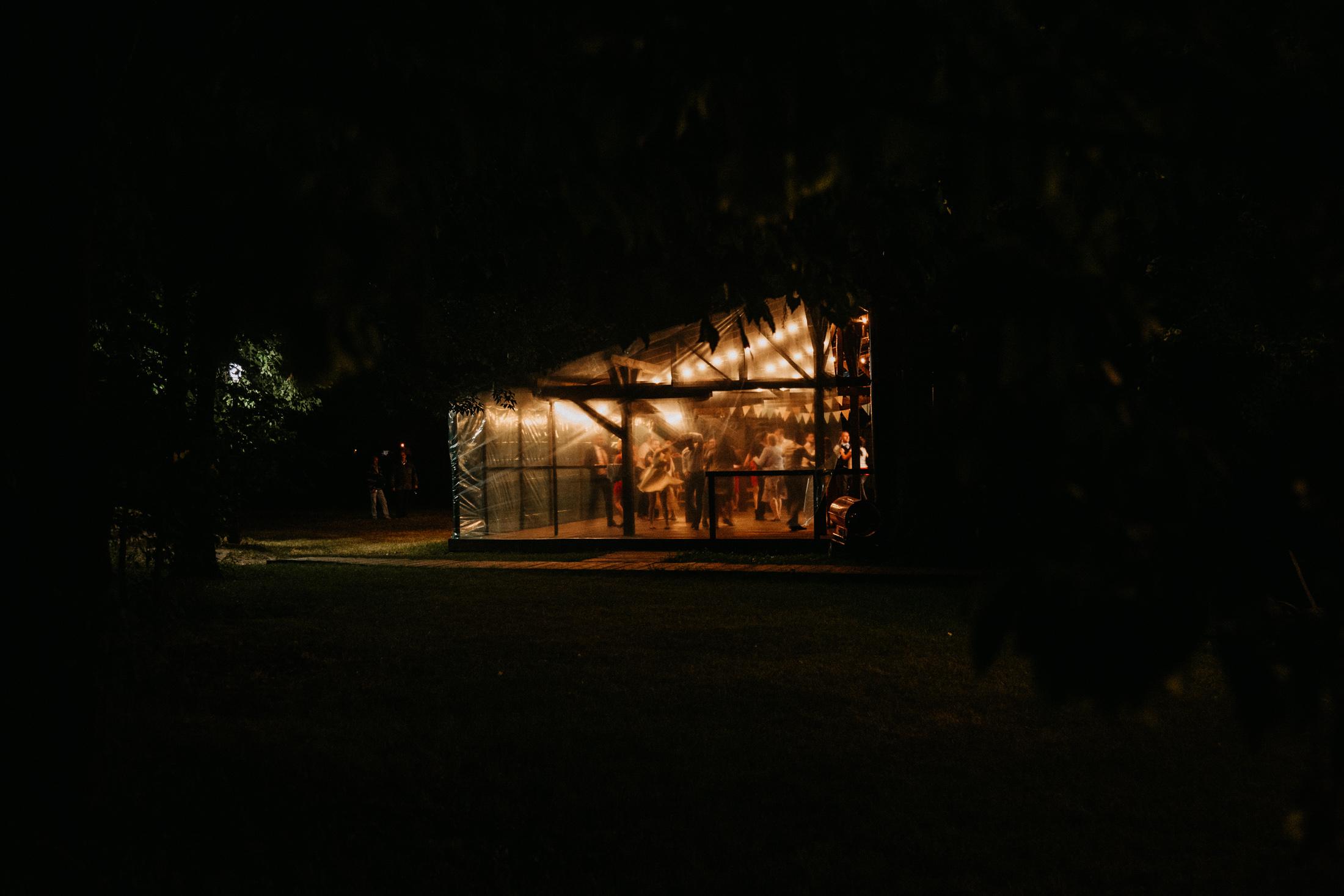 wesele w stodole folwark wiazy krakow slub 00158